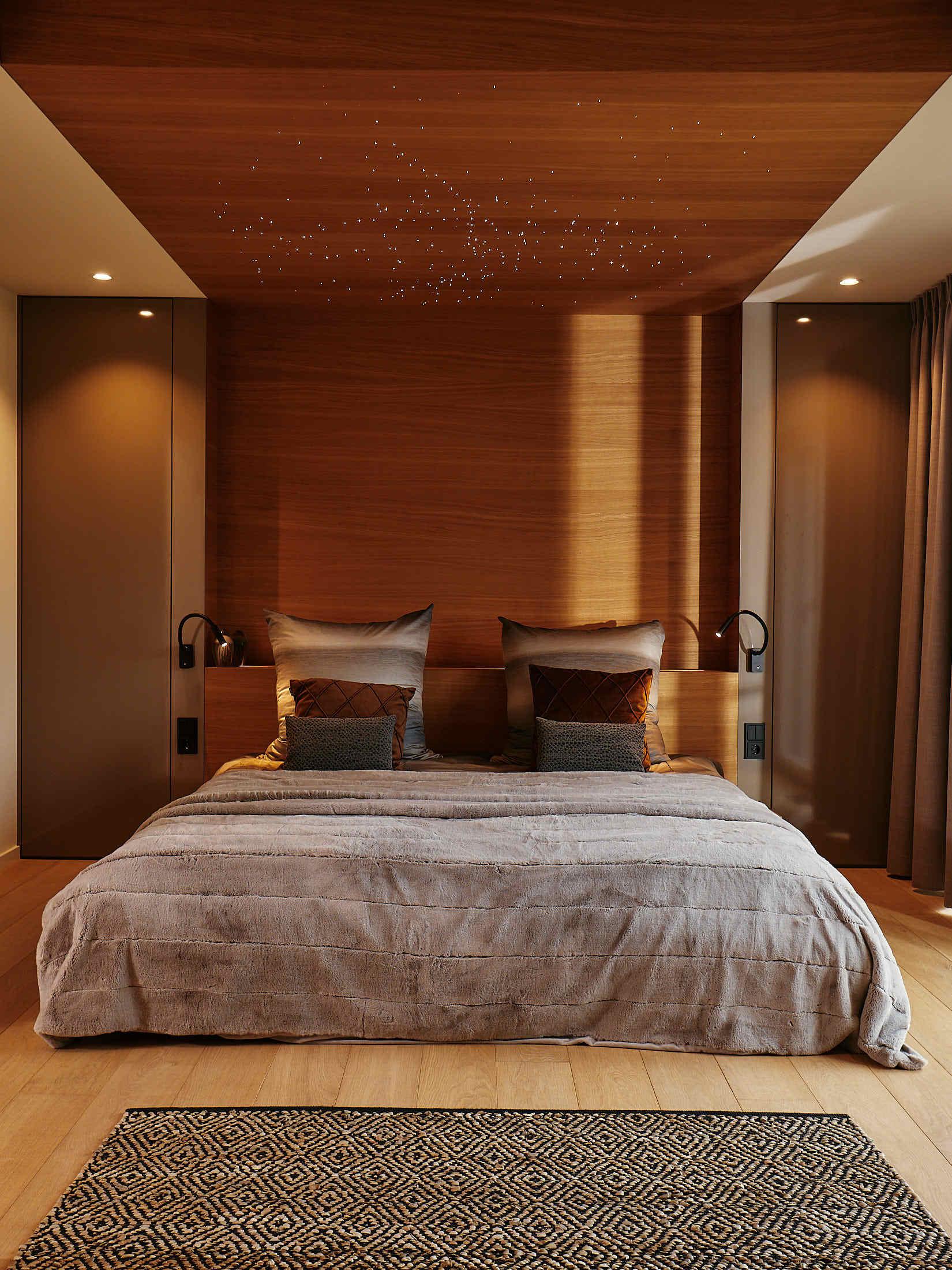 Bett mit Sternenhimmel Haustechnik
